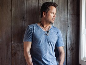 CMT: GARY ALLAN IS DRAWN TO COUNTRY MUSIC'S DARKER SIDE