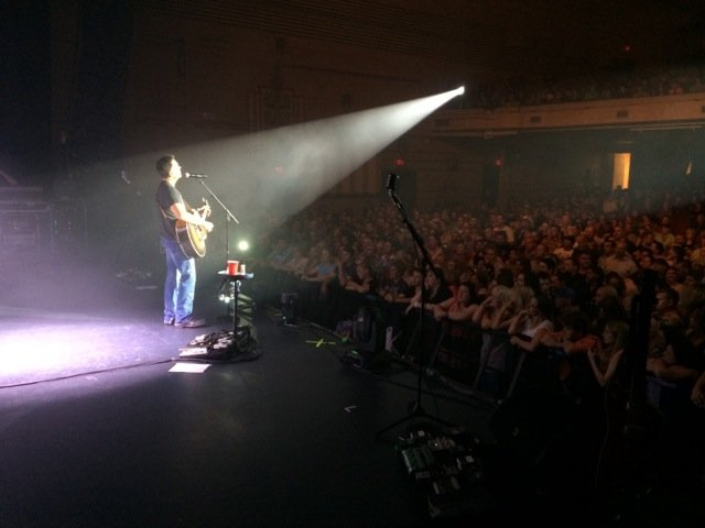 GARY ALLAN KICKS OFF STRING OF SOLD OUT SHOWS IN AUSTRALIA