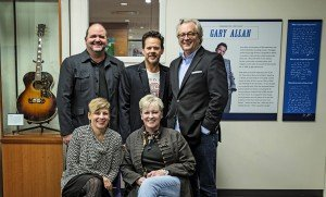 Front Row:  Country Music Hall of Fame and Museum's Ali Tonn – Director of Education and Programs and Carolyn Tate – Senior Vice President of Museum Services. Back Row:  John Lytle – Lytle Management Group, Gary Allan and Country Music Hall of Fame and Museum's CEO Kyle Young.