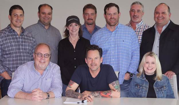 GARY ALLAN RE-SIGNS WITH UNIVERSAL MUSIC GROUP NASHVILLE